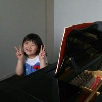 娘とピアノ