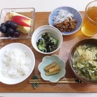ニラ玉みそ汁と納豆の朝ごはん