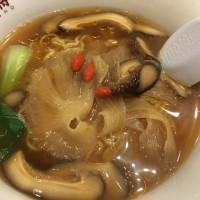 大阪王将で「極上フカヒレらーめん」食べました。