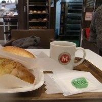 丸十パン店。