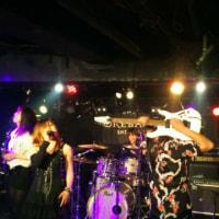 昨日はライブでした( v^-゜)♪