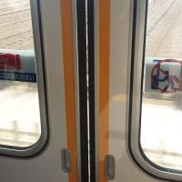 電車のドアに隙間が