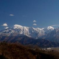 雪のち晴れ 越後三山は・・・