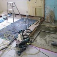 貸室の改築が始まる。