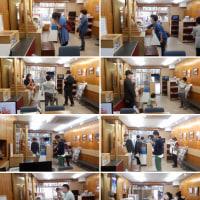 平成のビリケンさんと観光客たち