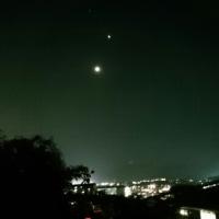 宵の明星と三日月