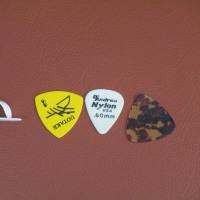 ② クラシックギター : 付属品