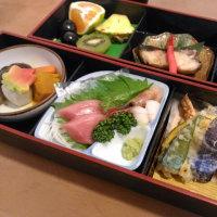 オムそばと、日本亭の御膳