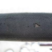 【悲報】タイヤのトレッドに穴