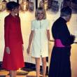 米国トランプ大統領が訪問先の仏国大統領夫人を褒めて物議を醸し出したとは話題作りがお上手だ!!