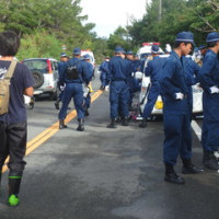 砂利搬入とH地区の工事に対する抗議行動。