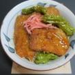 炊屋食堂の名物ヒレカツソース丼・・・480円(税込み)