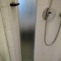 HISが一人6000円の追加料金をとっているバリ島ブノアにあるibis STyLes HOTELS トイレで雨漏り・シャワー水が寝室に。
