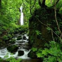 1734 滝のある風景