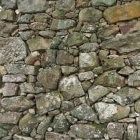 洲本城跡の石垣を視る「足先がかからない石垣」