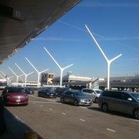 ロスアンゼルス空港は、禁煙です。