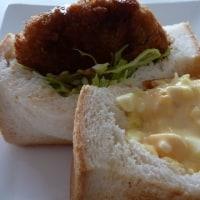 宅配便と電話待ちの日のお昼は・・・サンドイッチ?