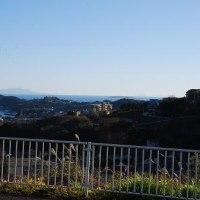 すんだ日の真鶴半島の景色