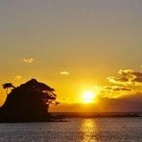 沈む夕陽 (志摩・越賀あづり浜)
