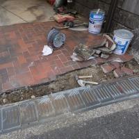 5月24日(水) 駐車場のタイル補修工事