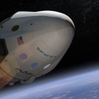 スペースX、民間企業初の月旅行を2018年末に行うと発表。