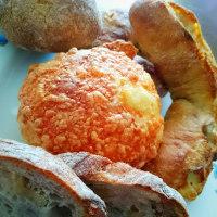 朝ご飯は、coronのパンと目玉焼き(boulangerie coron 丸井今井札幌店)
