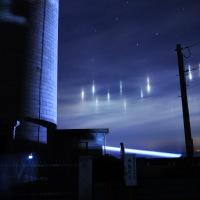 光の柱「漁火光柱」現れる