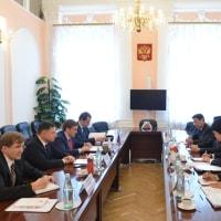 シェスタコフと上月大使が会談