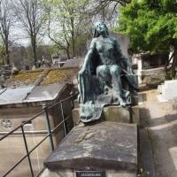 パリ・モンマルトル紀行⑬ モンマルトル墓地で出会った人たち・下 印象的な墓の数々