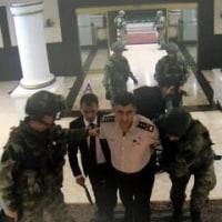 クーデター軍による将軍らの誘拐の現場が監視カメラに映っていた