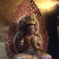 仏壇前に座り、手を合わせ、読経するだけが供養に非ず。(写真は、わが寺の大日如来) 895話目