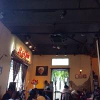 ホーチミンのカフェで