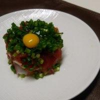 ユッケ・おいなり・中華麺・春巻き