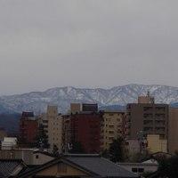 今週は、雪の予報。山々も真っ白になるでしょうか?