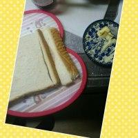 朝食はサンドウィッチ