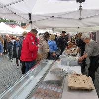 ベルゲン港近くのの市場に来ました。