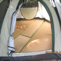 大型テントBにも畳を敷きました。