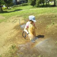 公園は暑い