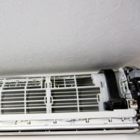 お掃除エアコンを綺麗にします。6年前に施工CS-EX560C2-W