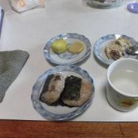 姫川薬石のホッカイロと玄米ご飯のお握り