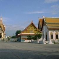 タイの寺には墓地が?
