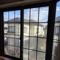 新発明!息を吐いても雲らない結露ミラーを出窓に貼りました 窓 目隠しにも 曇り防止フィルム