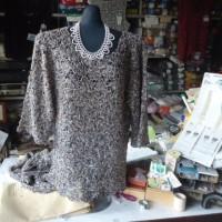 母が40年間研究した秘伝のカスパリー編みの応用を教えています。