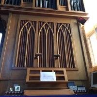 ひっそりとたたずむ教会がとてもいい、元旦礼拝に来ればよかったかな?
