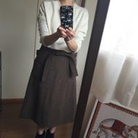 カーキ秋冬スカート