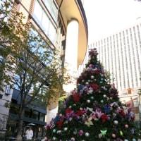 丸ノ内で出会ったクリスマスツリー