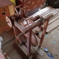 メンテお気楽日記 3月3日 木製の糸繰り機・糸撚り機?