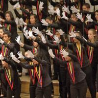 合唱団  日本で初、「手」で歌う 聴覚障害の子ら参加(毎日新聞)