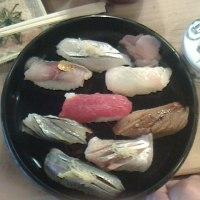 昨日は「小梅寿司」に行きました!!