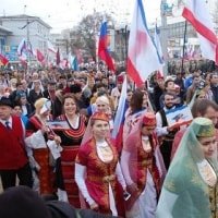 """ウクライナ クリミア併合から3年 双方の苦しい現状 トランプ""""取引""""不発でロシアも強硬姿勢"""
